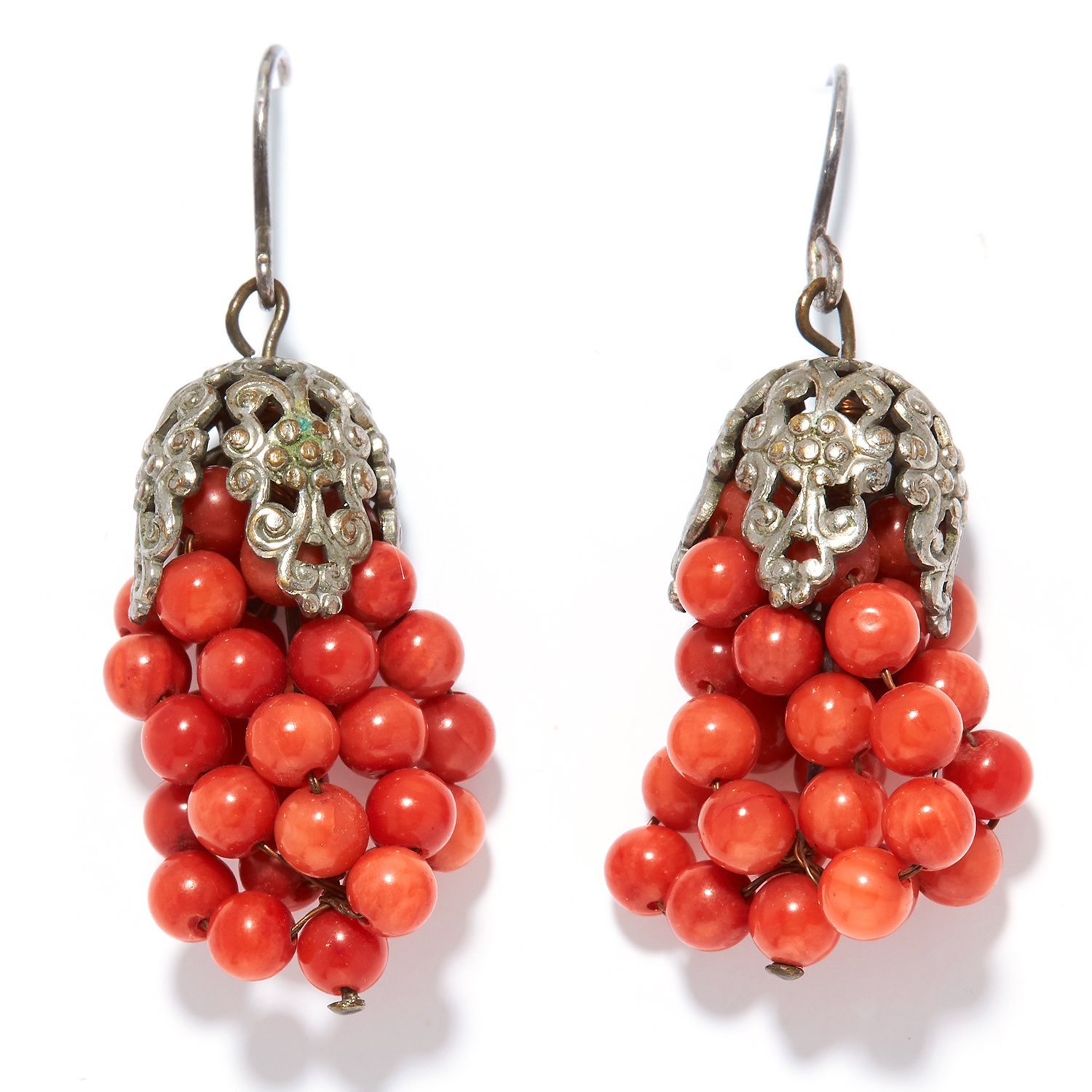 A PAIR OF CORAL EARRINGS in silver, suspending rows of coral beads, unmarked, 3.5cm, 7.30g.