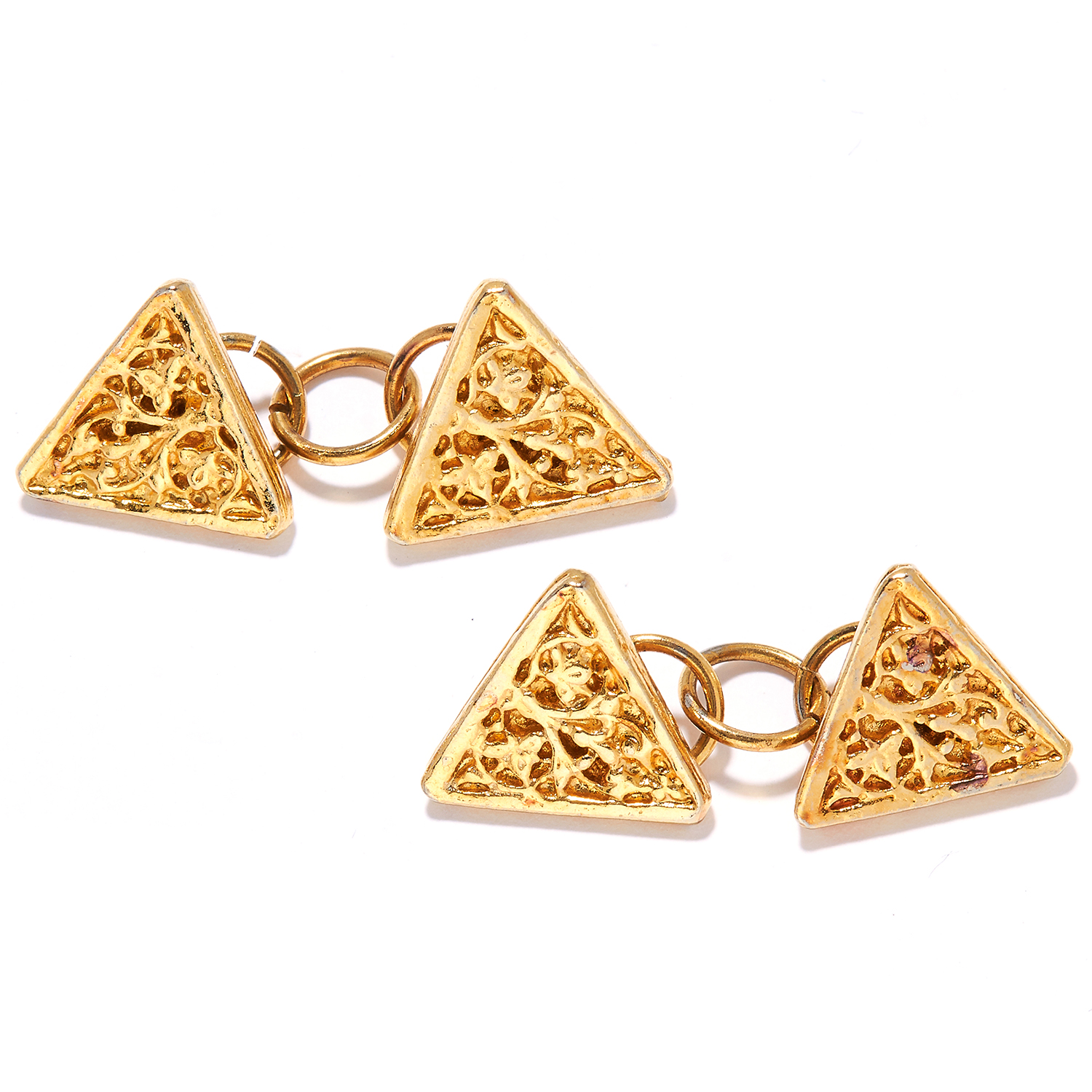 A PAIR OF GOLD CUFFLINKS in abstract triangular form, unmarked, 7.60g.