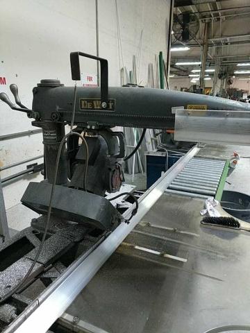 Lot 110 - Dewalt Ge-59 Radial Arm Saw