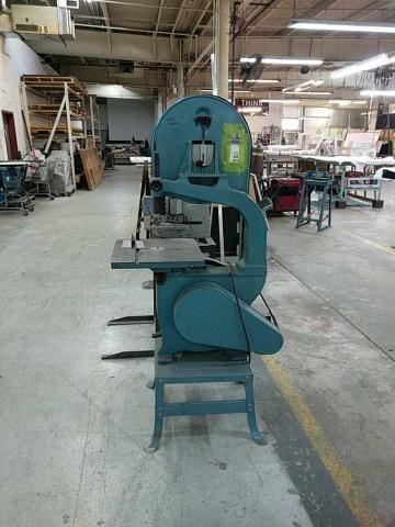 Lot 119 - MSC Vertical Bandsaw