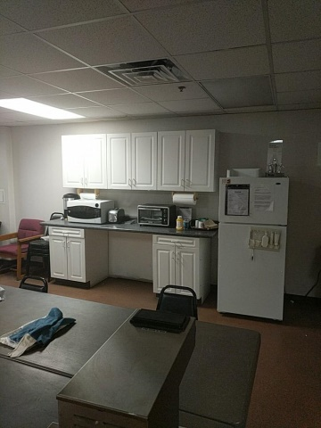Lot 27 - Break Room