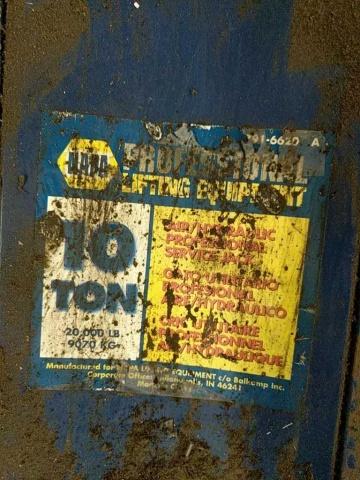 NAPA 10 ton Hydraulic Floor Jack - Image 3 of 3