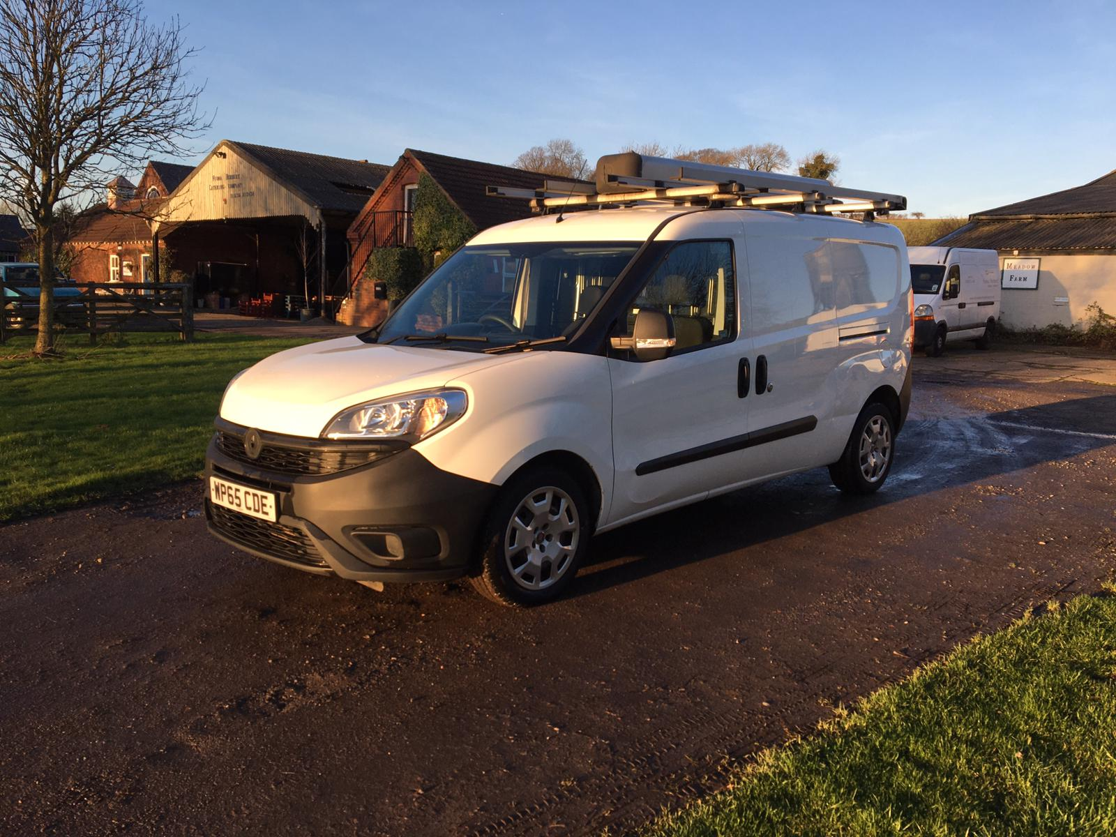 2015/65 REG FIAT DOBLO 16V MULTIJET 1.6 DIESEL WHITE PANEL VAN, SHOWING 0 FORMER KEEPERS *PLUS VAT* - Image 3 of 10