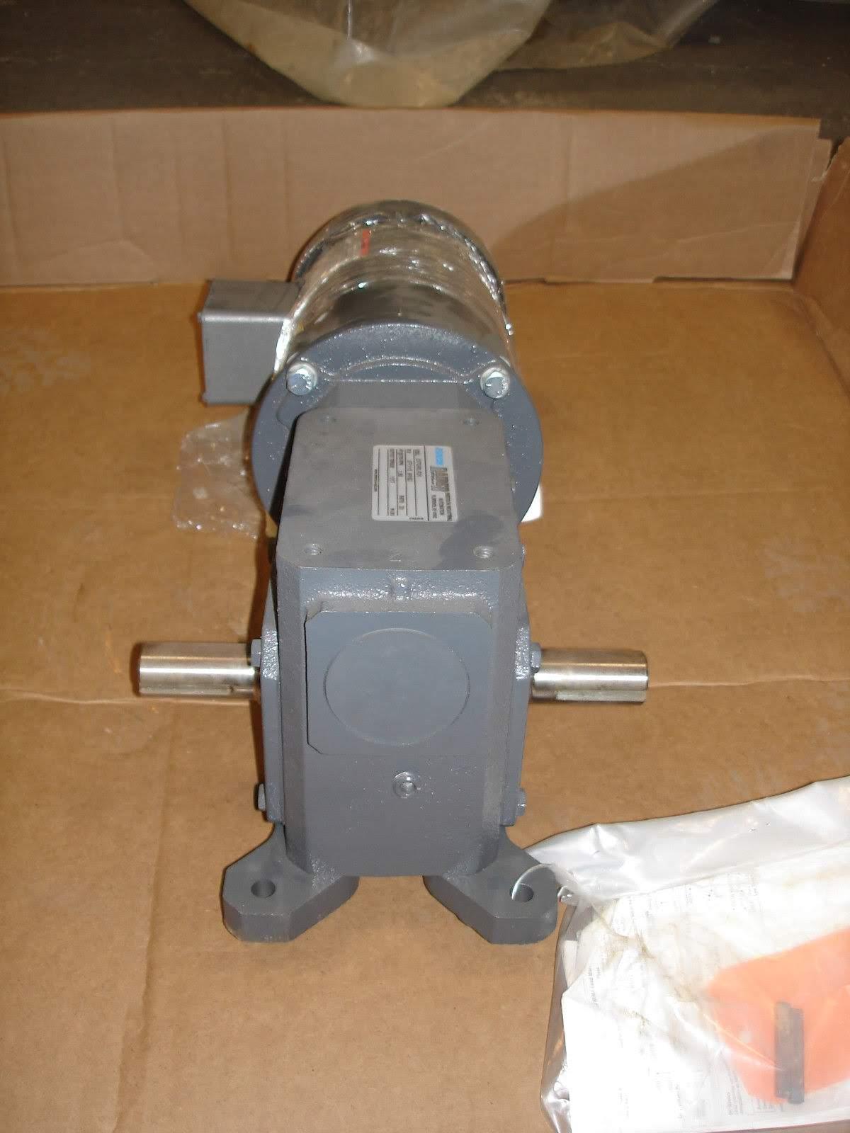 Lot 43 - (1) *NEW* Morse Raider Plus 237Q56LR20 Gear Reducer w/Baldor Motor *NEW*