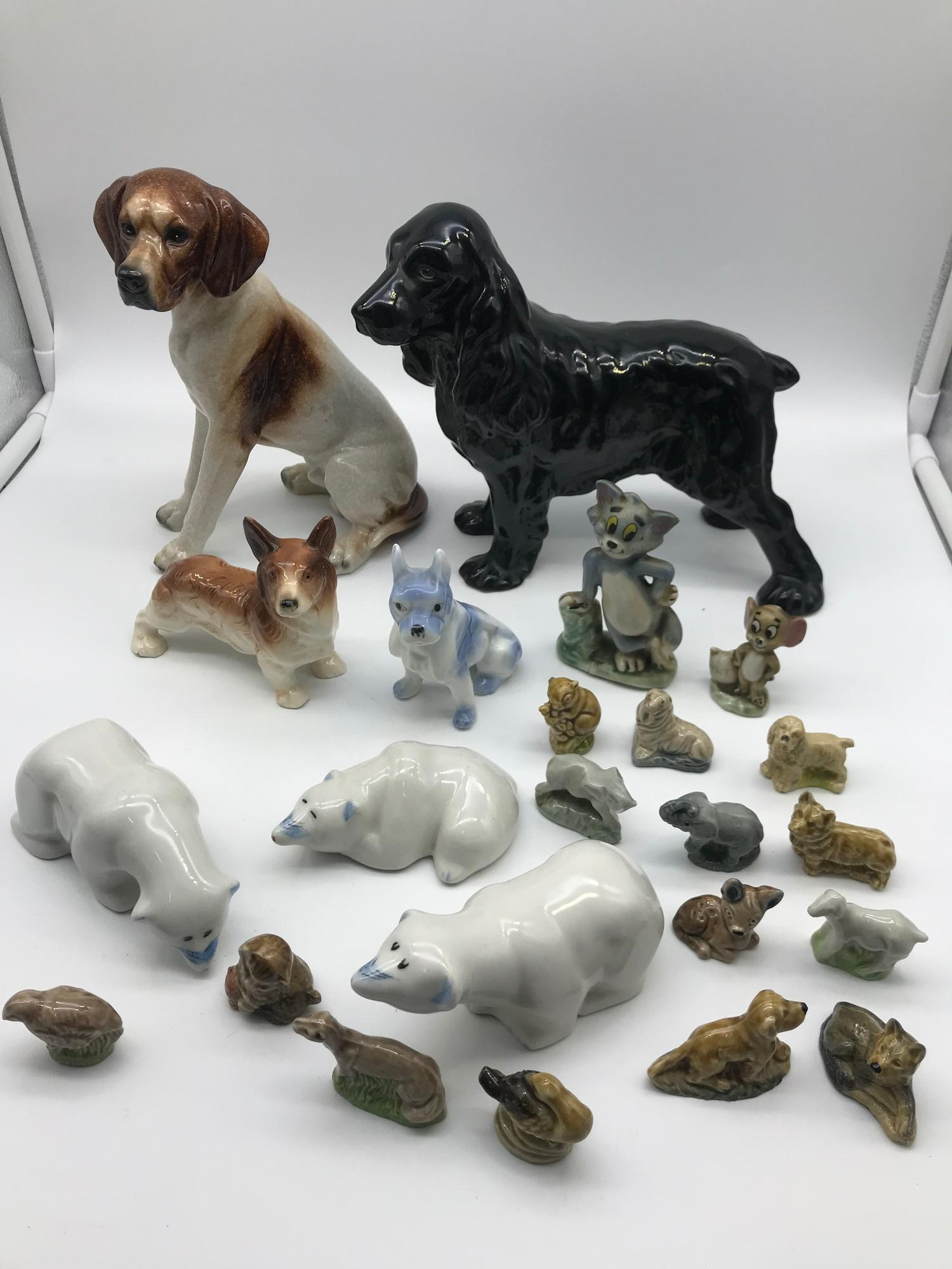 Lot 671 - A Lot of 4 various dog and polar bear figures together with various wade figures which includes