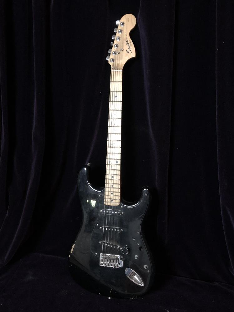 Lot 31 - Electric guitar