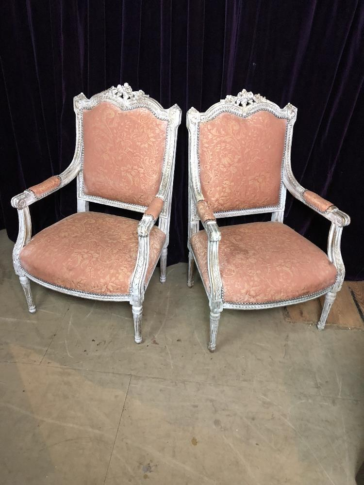 Lot 22 - Pair of chairs Salon chairs