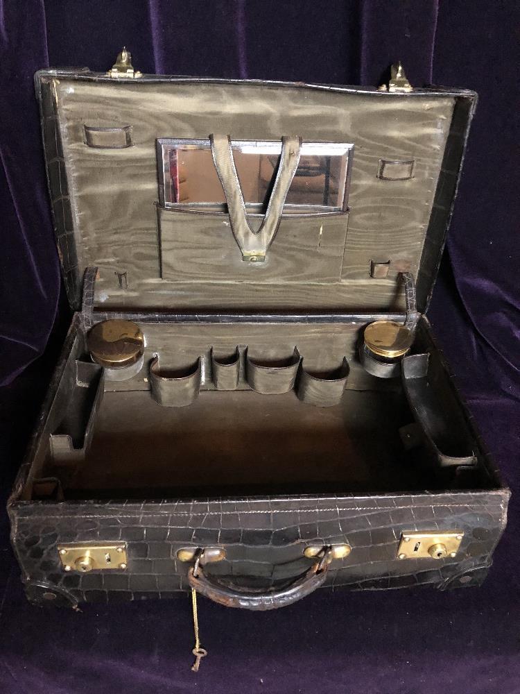 Lot 53 - Vanity case