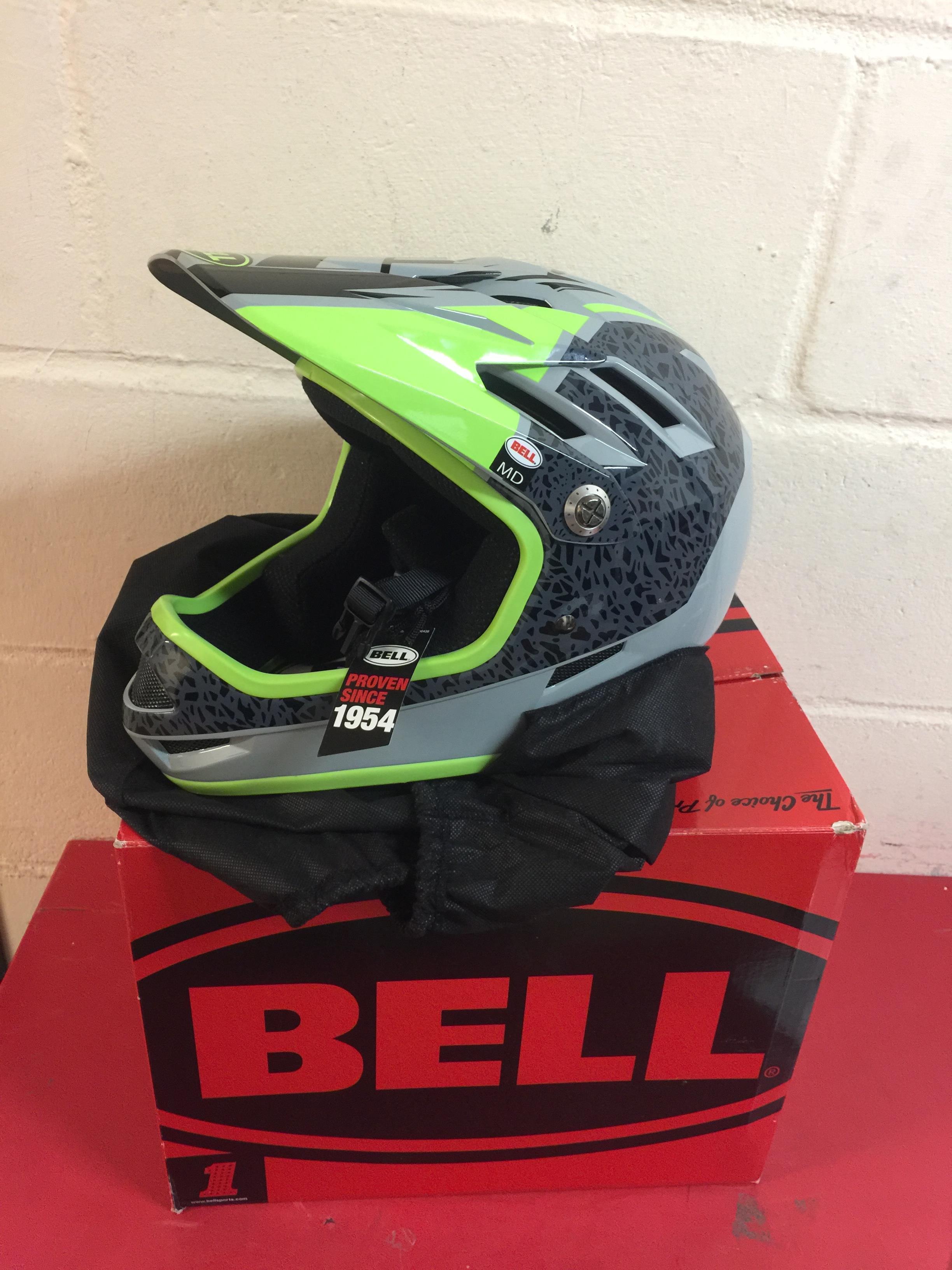 Lot 19 - Bell Gloss Smoke-pear REPERATION 2018 Sanction MTB Full Face Helmet RRP £69.99