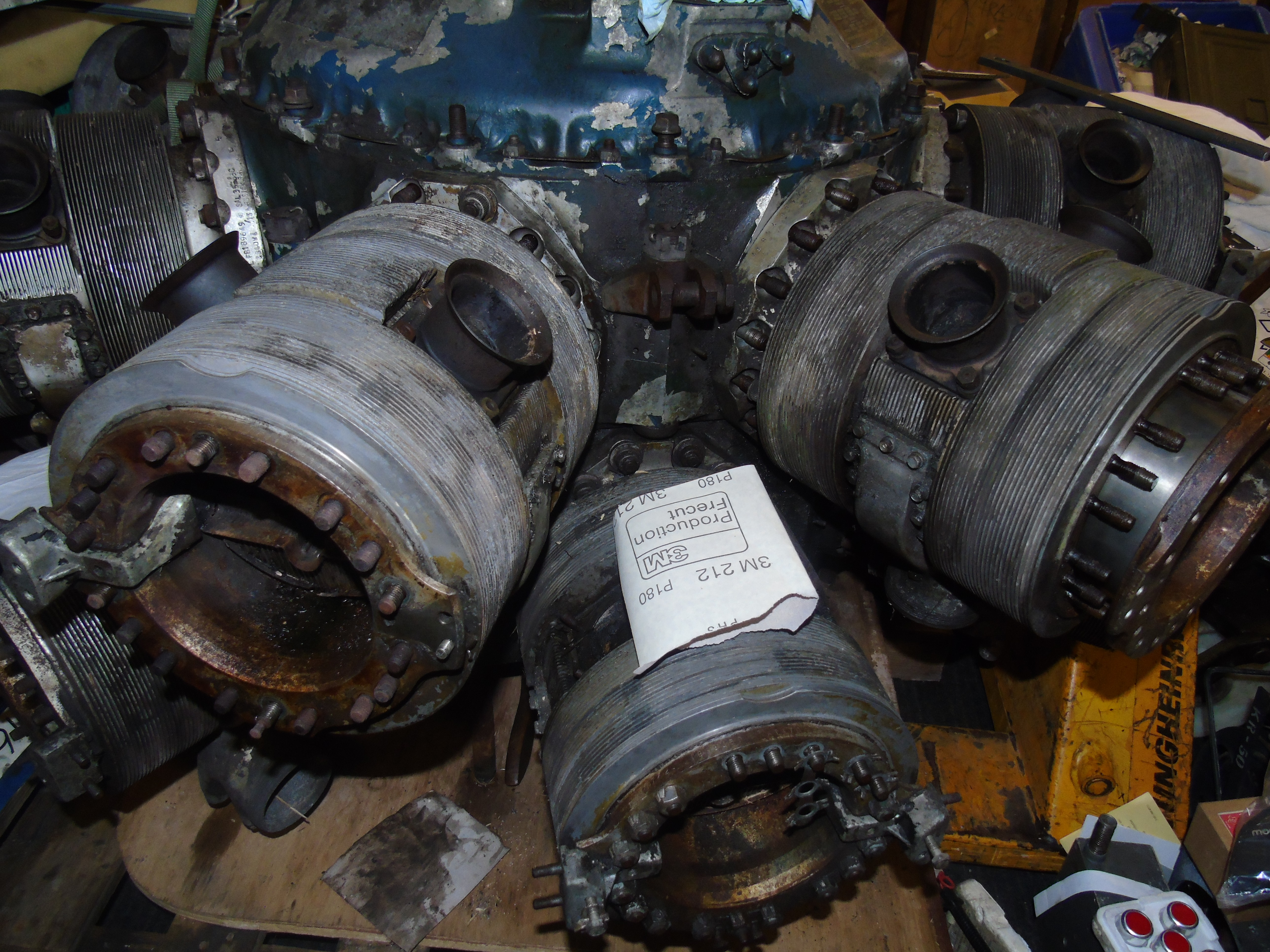 Lot 504 - BRISTOL HERCULES RADIAL AIRCRAFT ENGINE WITH MANUAL