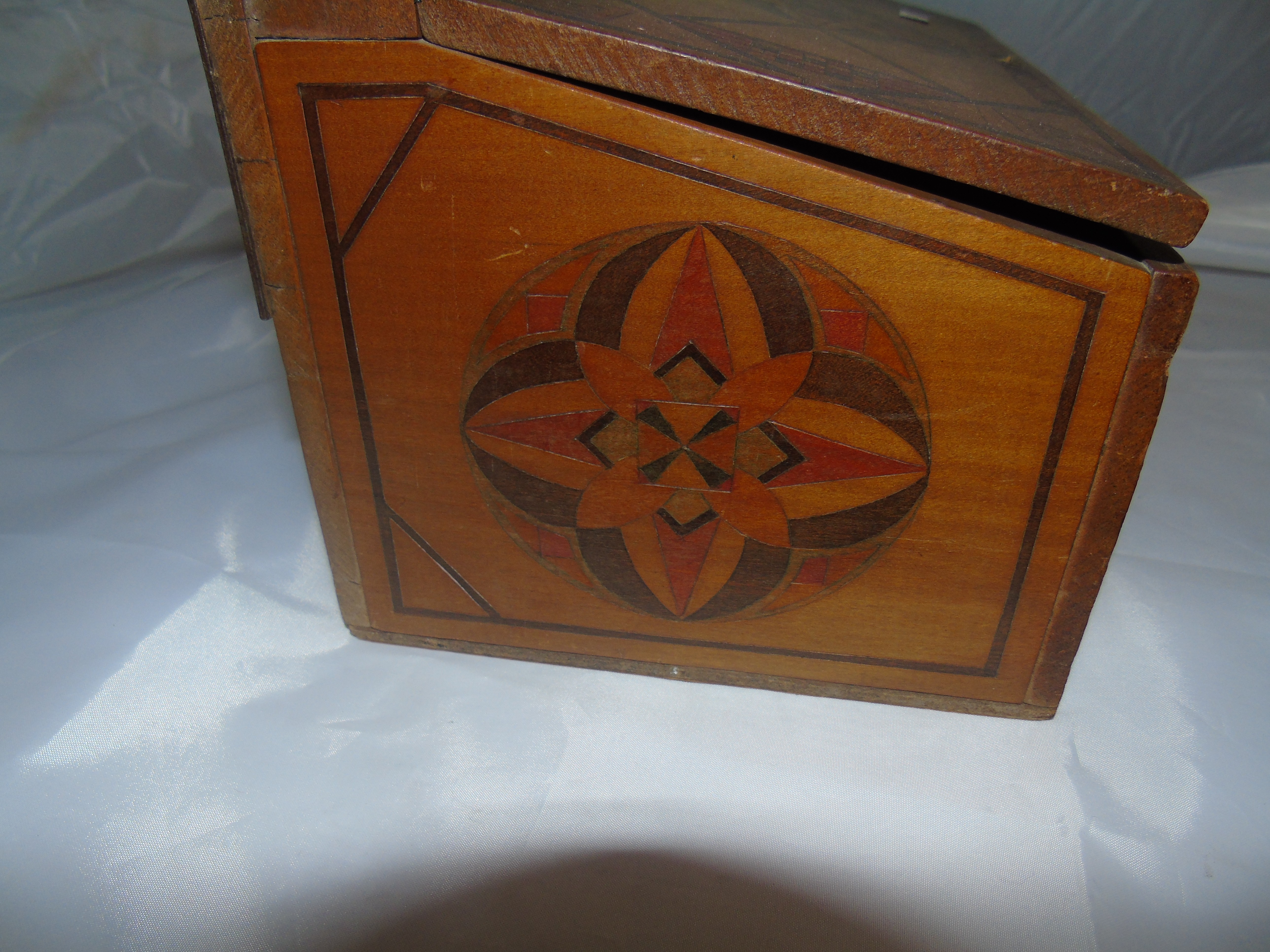 Lot 54 - OLIVE WOOD WALL MOUNTED GLOVE BOX HANDSCHPENEN & OTHER INCISED DECORATION EST [£20-£40]