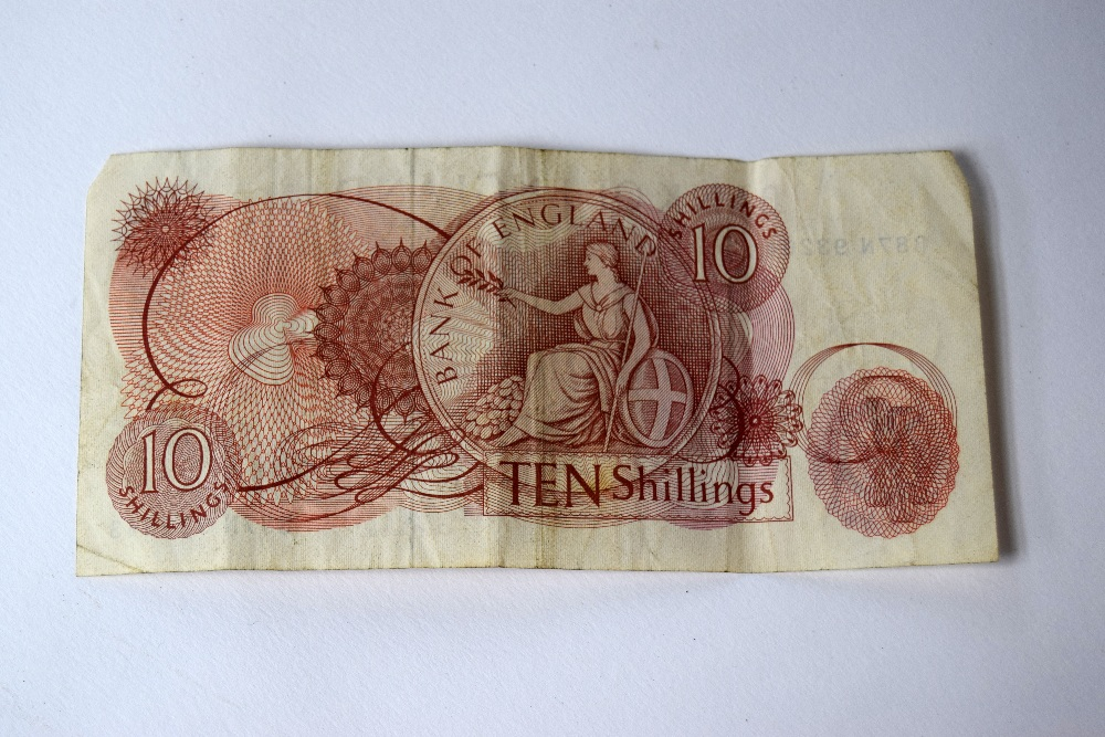 Lot 10 - Bank of England Ten Shilling Note (B87N 932643); a One Pound Note;