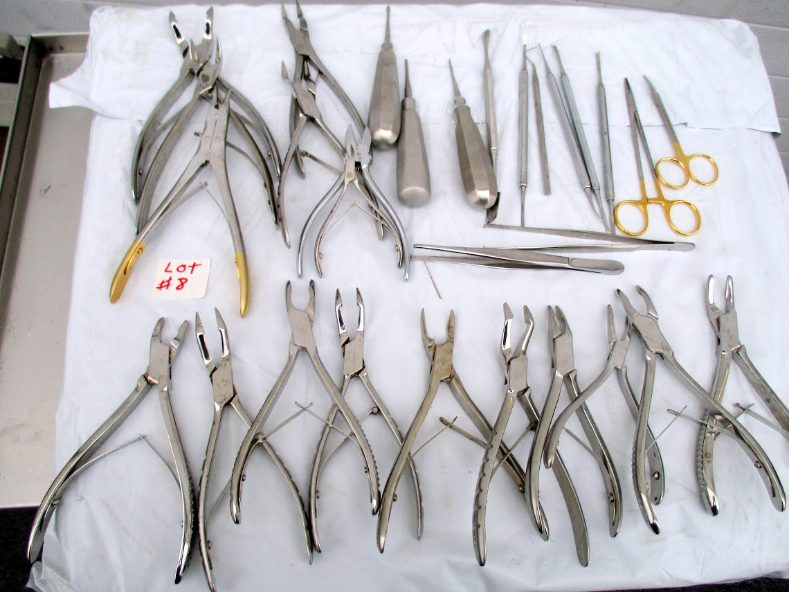 Lot 8 - Lot containing 28 Dental Tools. Manufacturers include Ronguers and W. Lorenz