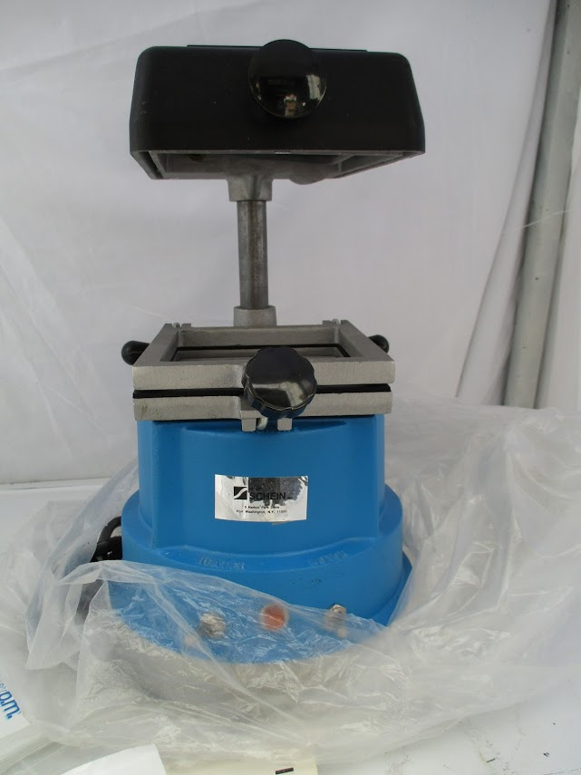 "Schein ""The Machine"" precision vacuum pump. This hasn't been used. 115V - Image 2 of 4"