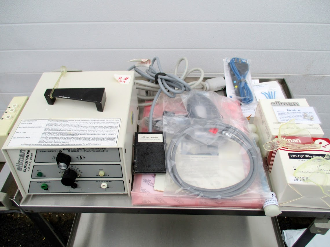 Lot 11 - Ellman Surgitron EMC FFPF Electrosurgery Unit for Opthalmology. Comes with round loop electrodes,