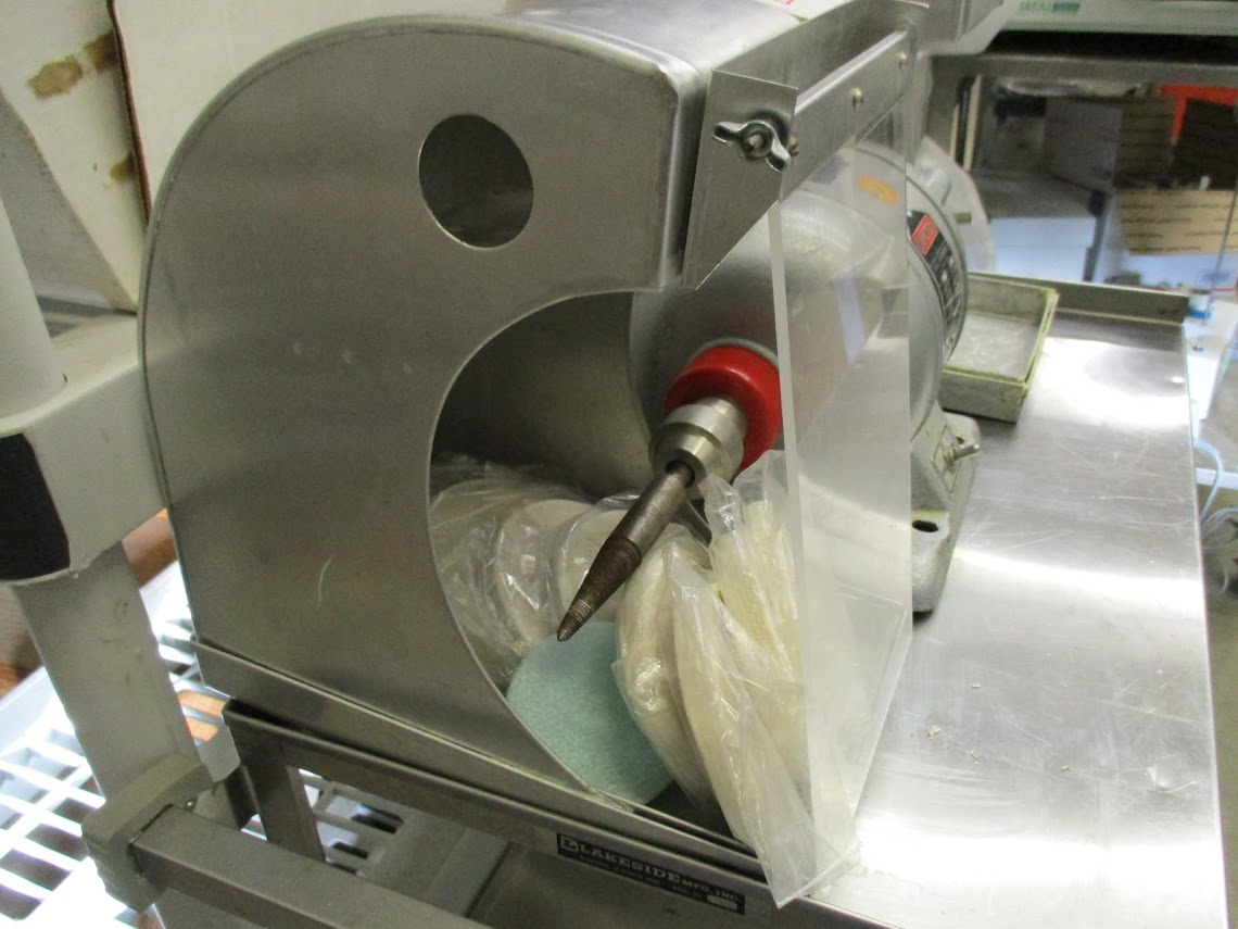 Red Wing Model 26A Dental lathe/grinder with 2 hoods and accessories. 115V 1/4 HP - Image 3 of 7