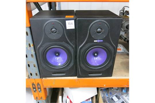 2 X HHB Circle 5A Speakers