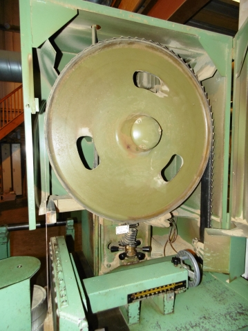 Stenner Eagle size 36 Vertical Bandsaw; with adjustable roller feed ...