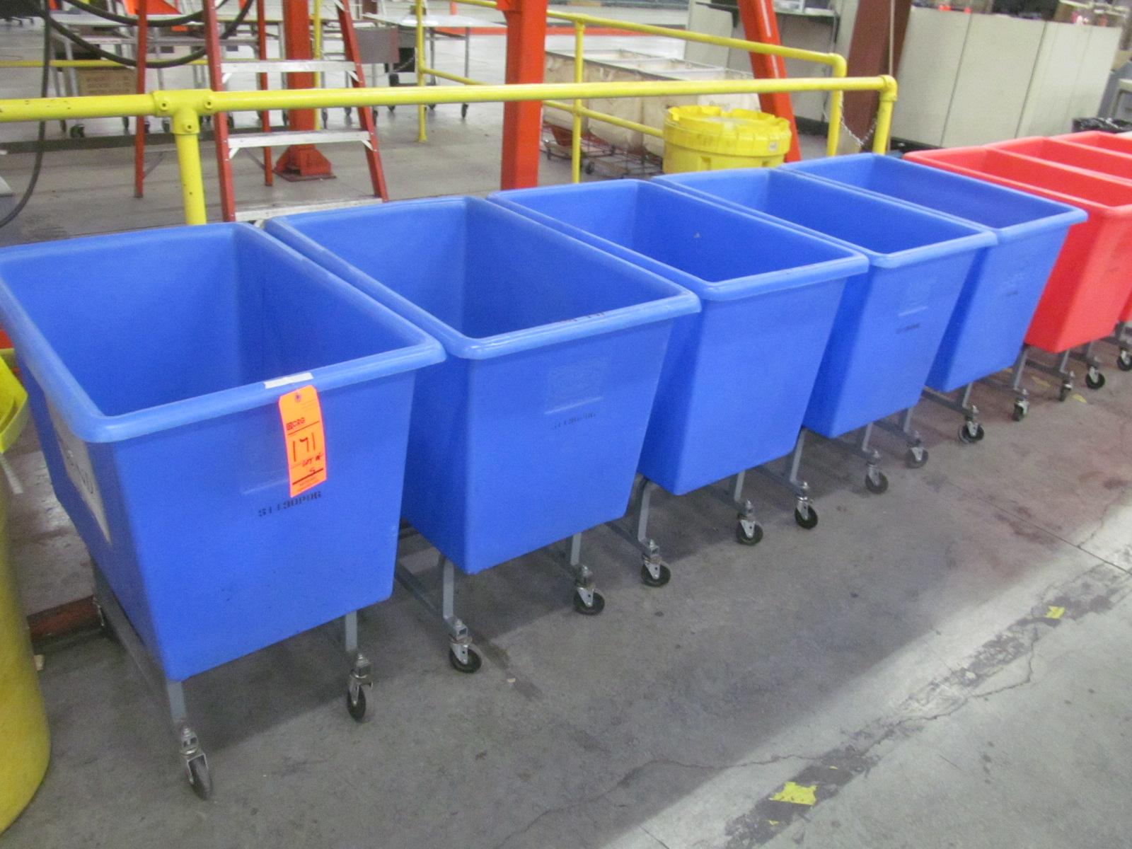 Lot of (5) CR Daniels Inc. Dandox portable plastic tubs, 32\