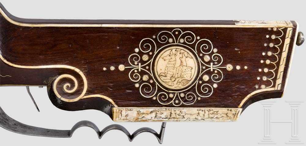 Lot 56 - Verbeinte Radschlossbüchse, deutsch, datiert 1651 Siebenfach gezogener Achtkantlauf im Kaliber 12 mm