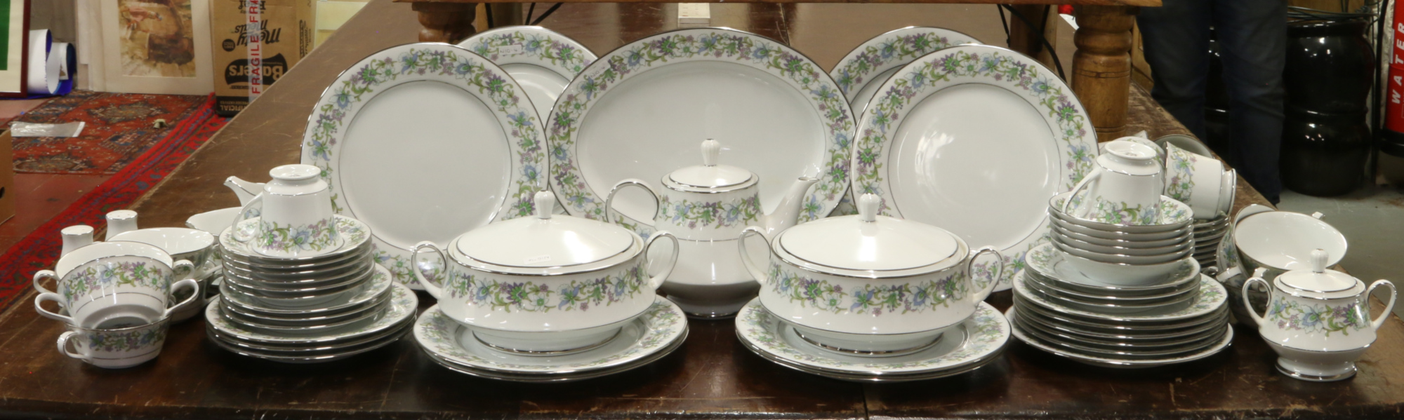 Lot 16 - A Noritake tea and dinnerware's in the tradition design to include teapot, tureens, milk jug, meat