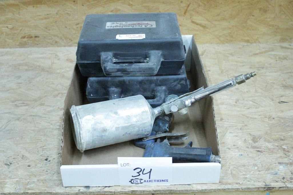 Lot 34 - Spray guns
