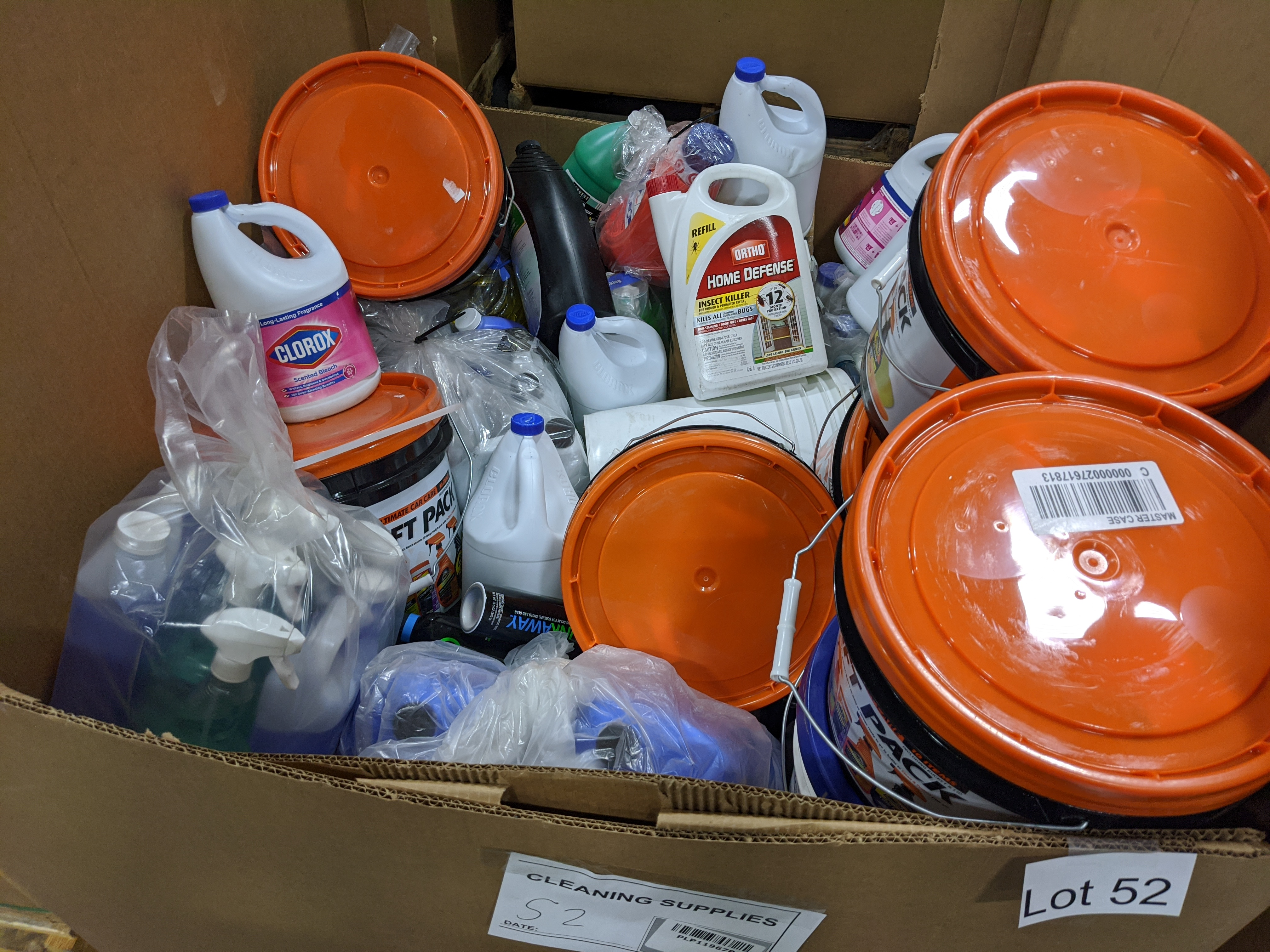 Lot 52 - Cleaning supplies