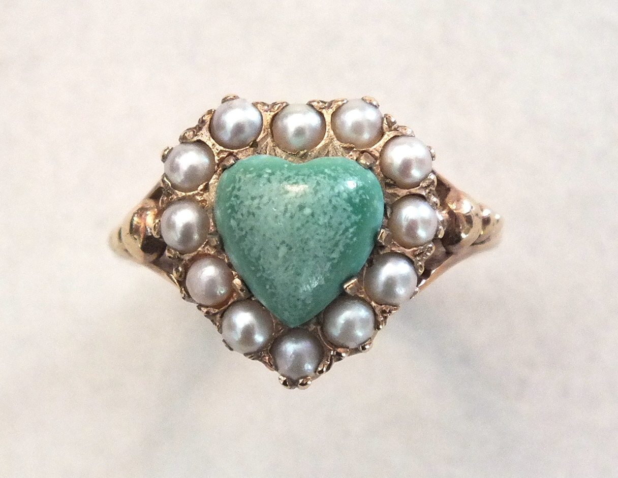 A modern green jade and demi-pearl heart-shaped cluster ring with 9ct gold mount, size L, 4.2g.