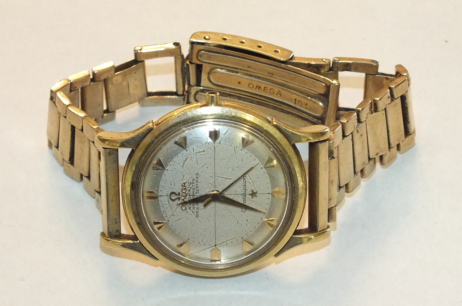 "Lot 280 - Omega, Automatic ""Chronometre"" Officially Certified Constellation 18ct gold gentleman's wrist"