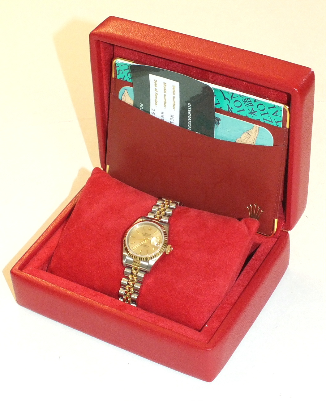 Lot 281 - Rolex, Oyster Perpetual Datejust chronometer ladies wrist watch, the gold dial with baton markers,