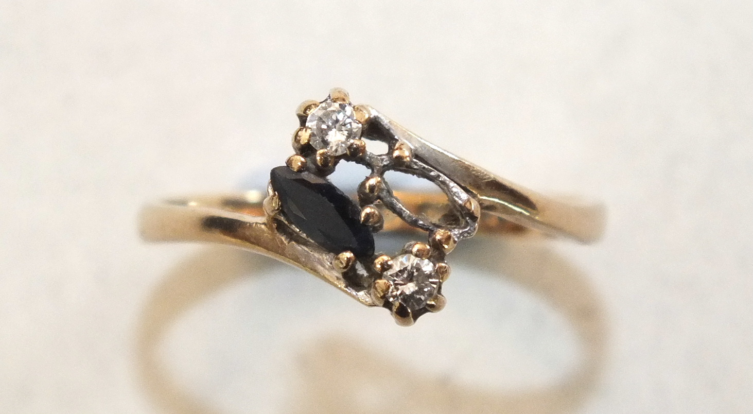 A diamond crossover ring with 18ct white gold and platinum mount, size J, 2.2g and a 9ct gold ring - Image 3 of 3