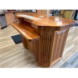 KITCHEN ISLAND - BUTCHER BLOCK STYLE