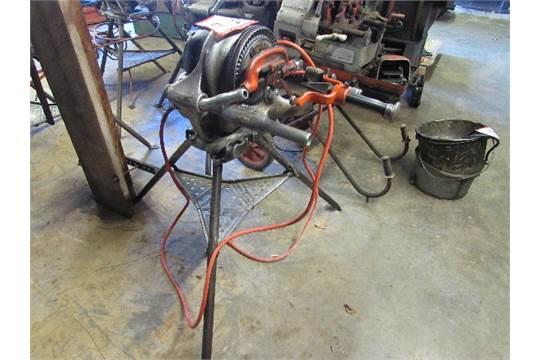 & Ridgid 200 Pipe Threader w/cutter u0026 Reamer