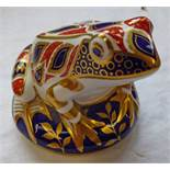 ROYAL CROWN DERBY PAPERWEIGHT TOAD WITH GOLD STOPPER