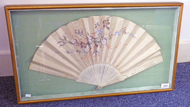 19TH CENTURY FAN WITH BONE STICKS & FLORAL DECORATION - OVERALL SIZE 39 CMS X 69 CMS