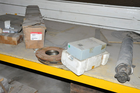 Lot-Springs, Couplings, Pipe Flanges, Oil Seals, Breakers and - Image 9 of 15