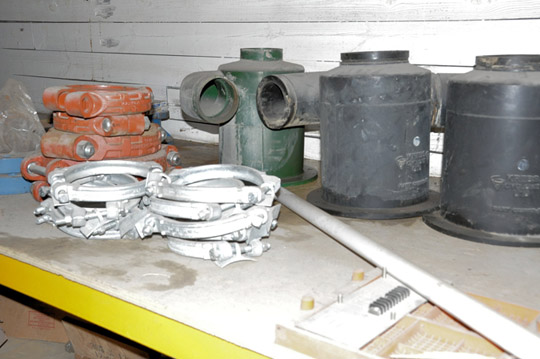 Lot-Springs, Couplings, Pipe Flanges, Oil Seals, Breakers and - Image 11 of 15
