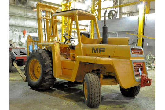 MASSEY FERGUSON MODEL MF6500 6,500-Lbs. Capacity Diesel Powered Rough Terrain Fork Lift Truck - Image 5 of 8