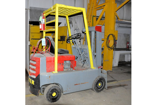 HYSTER Approx. 3,000-Lbs. Capacity LP Gas Fork Lift Truck; - Image 2 of 7