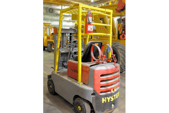 HYSTER Approx. 3,000-Lbs. Capacity LP Gas Fork Lift Truck; - Image 3 of 7