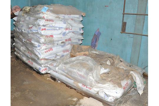Lot-HI-DRI Floor Dry on (2) Pallets