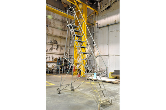 10' Portable Stair - Image 2 of 2
