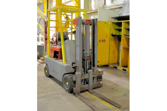HYSTER Approx. 3,000-Lbs. Capacity LP Gas Fork Lift Truck; - Image 5 of 7