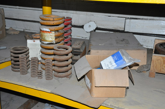 Lot-Springs, Couplings, Pipe Flanges, Oil Seals, Breakers and - Image 13 of 15