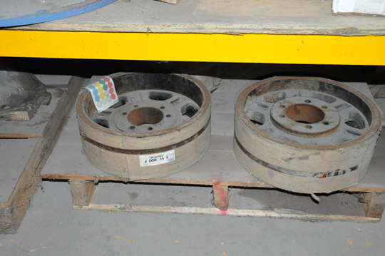 Lot-Springs, Couplings, Pipe Flanges, Oil Seals, Breakers and - Image 12 of 15