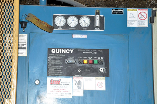 QUINCY MODEL QMT25ACA32SF 25-HP Horizontal Tank Mounted Rotary Screw Air Compressor - Image 3 of 3