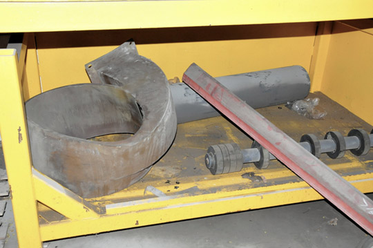 Lot-Springs, Couplings, Pipe Flanges, Oil Seals, Breakers and - Image 7 of 15