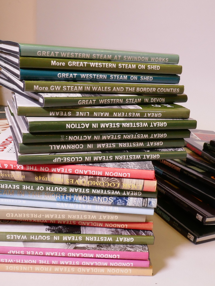 Lot 30 - A quantity of reference books on steam locomotives and railways
