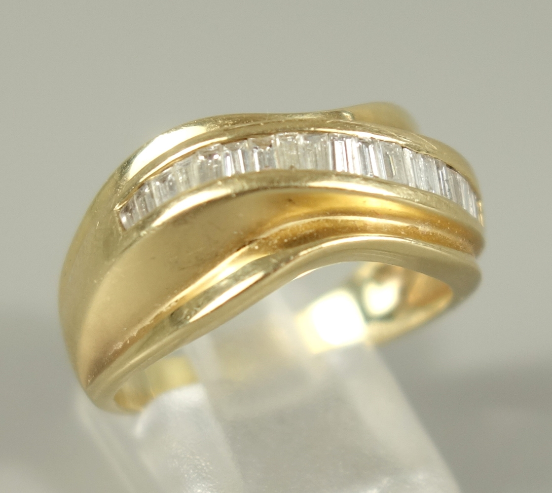 Ring mit Dia.-Brillanten, 585er Gold, Gew. 6,24g, gepr., eckige, facettierte Steine, nebeneinander