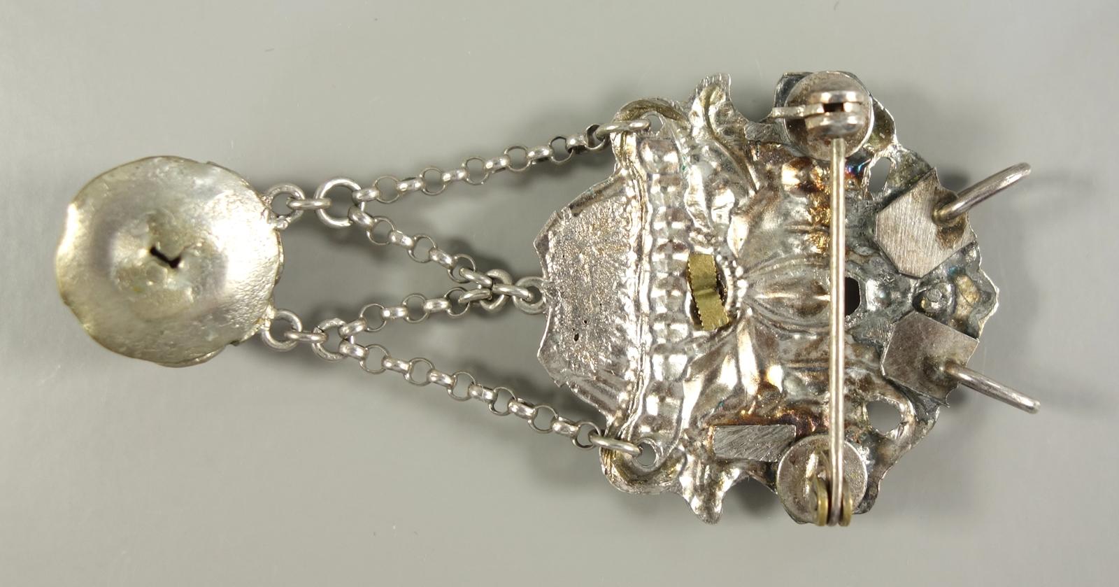 Anhänger/Brosche, Friesland, 13 Lot Silber, um 1900, Gew.6,94g, Blumenkorb mit Steinbesatz: - Bild 2 aus 3